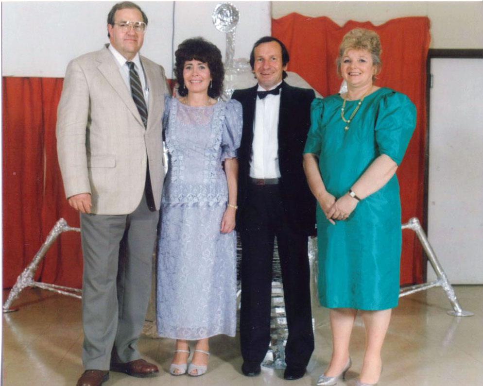 Fred & Evonne Vey, Trevor & Val Mosel