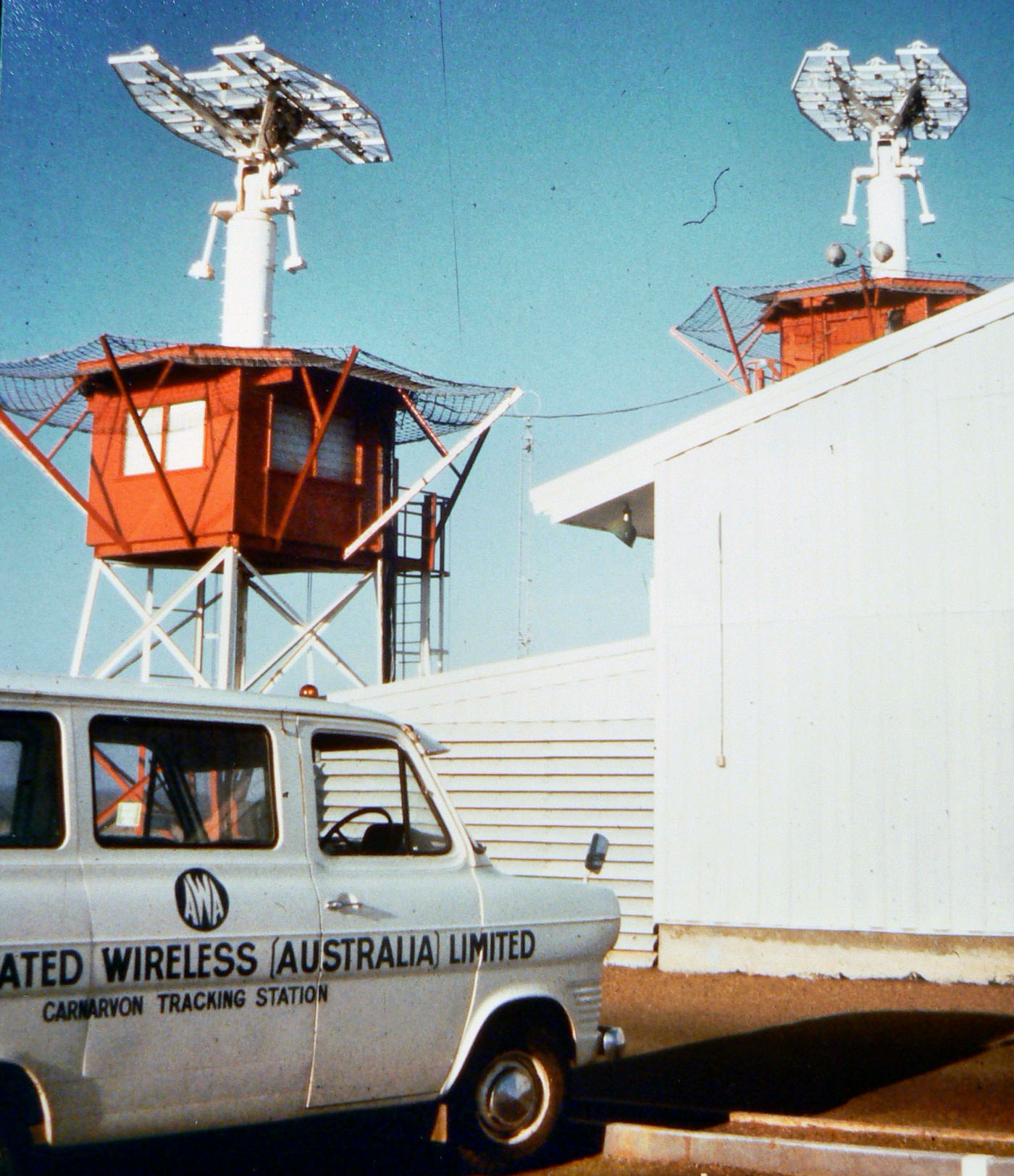 Acq Aid Antennae With AWA Van