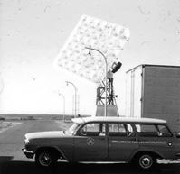 R & RR VHF Antenna With AWA Wagon