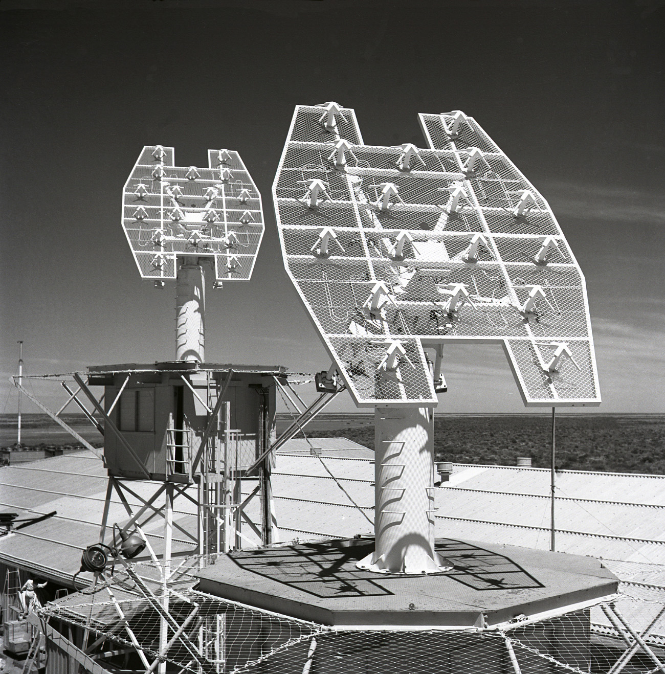 Acq Aid Antennas - Close-up